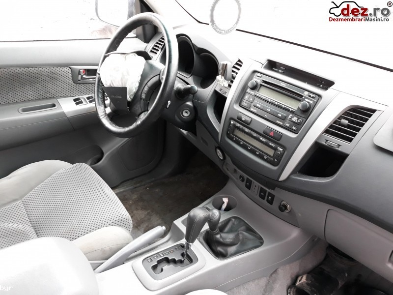 Imagine Dezmembrari Toyota Hilux An 2010 in Curtea de Arges