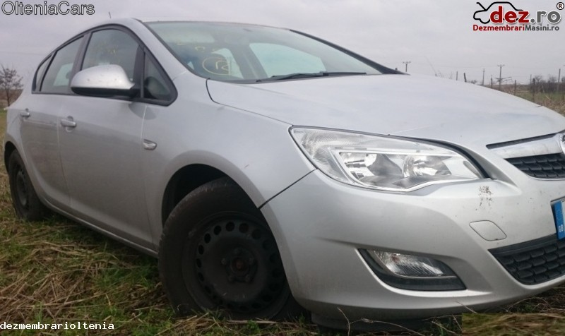 Imagine Dezmembrez Opel Astra J 2011 in Craiova