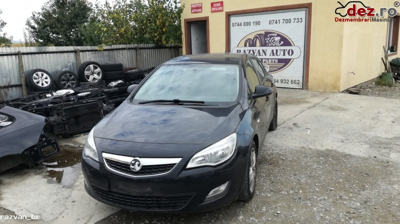 Imagine Dezmembrez Opel Astra J 2012 1 7cdti in Cornu Luncii
