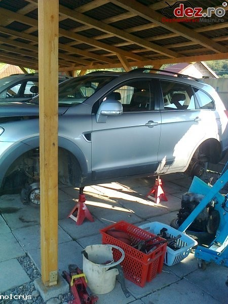 Imagine Dezmembrez chevrolet captiva an fabricatie 2008 elemente caroserie motor in Tirgu Mures