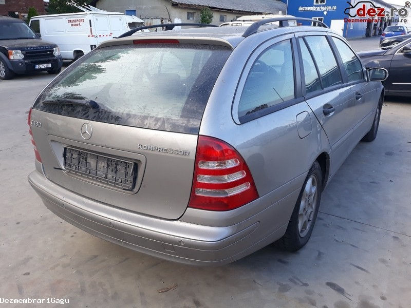 Imagine Dezmembrez Mercedes C Class / 203 Din 2004 in Petrachioaia