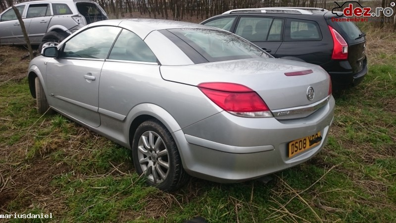 Imagine Dezmembrez Opel Astra H Twintop 2009 in Craiova