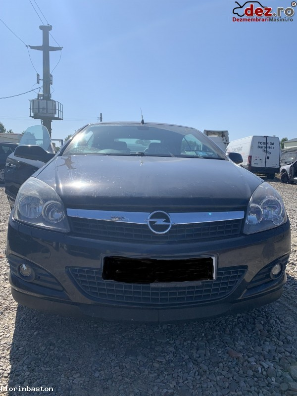Imagine Dezmembrez Opel Astra Tt Din 2008 Decapotabila in Pascani