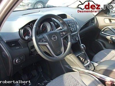 Imagine Dezmembrez Opel Zafira An 2014 in Bucuresti