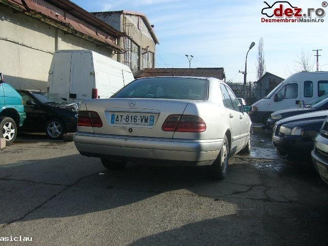 Imagine Dezmembrez Mercedes E 220 Diesel 95 Cp An 1997 in Resita