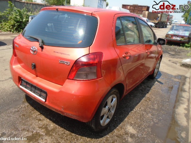 Imagine Dezmembrez Toyota Yaris 1 3 An 2006 in Bucuresti