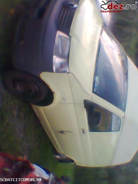 Imagine Dezmembrez Volkswagen T5 2006 in Calimanesti