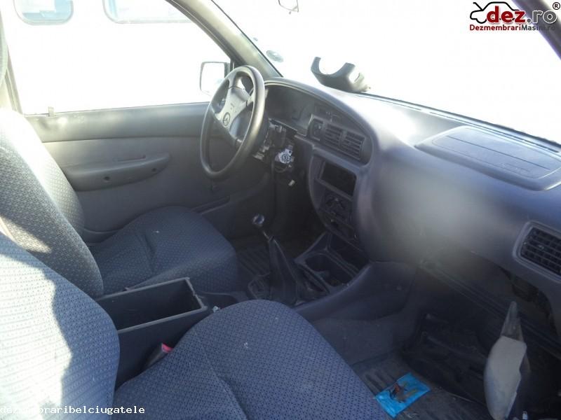 Imagine Dezmembrez Mazda B2500 Din 2002 Motor 2 5 Td in Belciugatele