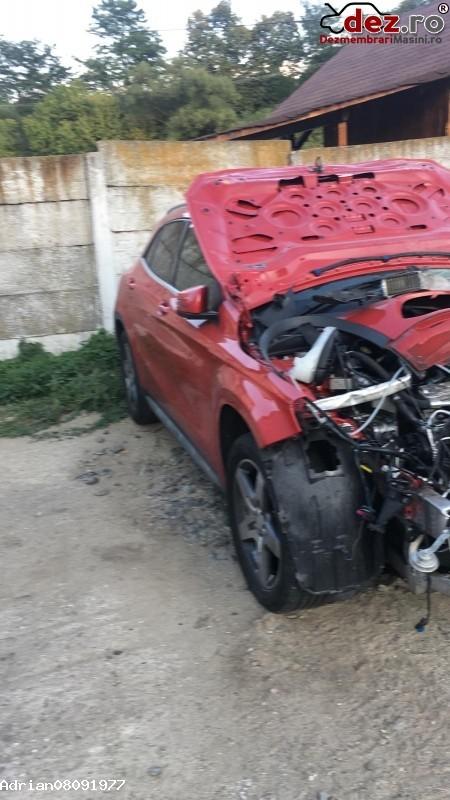 Vînd Mercedes Gla 2 2 Litri Amg An 2015 in Sibiu