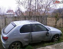 Imagine Avariata lateral dreapta in doua locuri Masini avariate