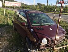 Imagine Vand Renault Twingo lovit in fata Masini avariate