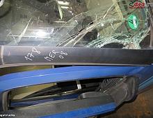 Imagine Colt parbriz dreapta Mercedes Actros A96 Piese Camioane