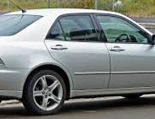 Imagine Dezmembrez lexus is 200 2000 2004 trimit in tara orice piesa Piese Auto