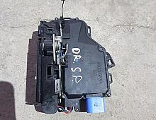 Imagine Incuietoare usa Volkswagen Jetta III 2009 cod 7l0839016d Piese Auto