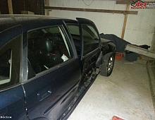 Imagine Vand Opel Vectra 2 0tdi An 2001 Avariata Masini avariate