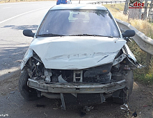 Imagine Vand Renault Clio 2 1 2 16 Valve Avariat Masini avariate